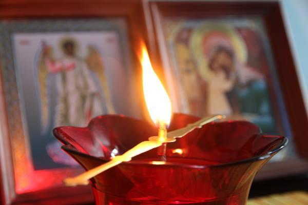 Задушница (родителската събота): Защо да се молим за душите на умрелите?