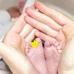 новородено в църква